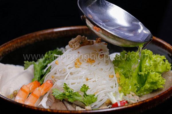 Học cách nấu Hủ Tiếu Nam Vang cực ngon