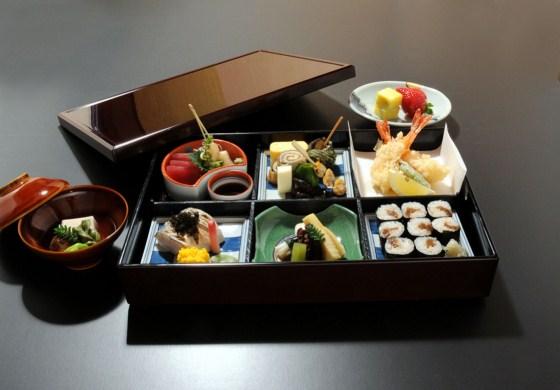 Khóa học nấu ăn Bento hấp dẫn giới văn phòng