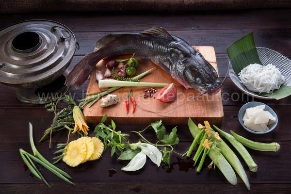nguyên liệu làm lẩu cá lăng măng chua