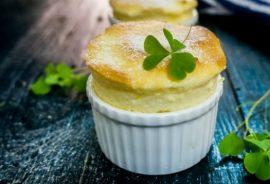 Học cách làm bánh soufflés chanh dây từ Pháp