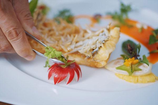 Cá tai tượng chiên xù giòn ngon từ siêu đầu bếp