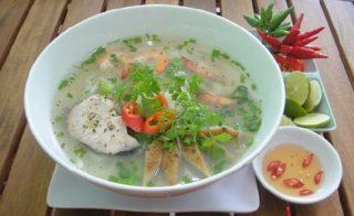 Bánh canh chả cá đậm đà hương vị miền Trung