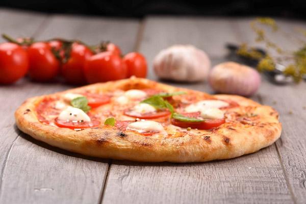 Bánh pizza margherita ngon mê ly