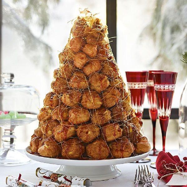 Bánh cưới croquembouche