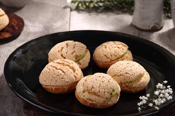 Bánh su kem matcha Nhật Bản