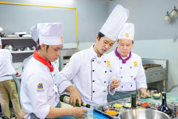 Giá trị bằng trung cấp nghề nấu ăn