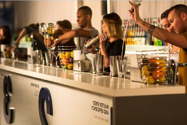 Học Bartender chuyên nghiệp