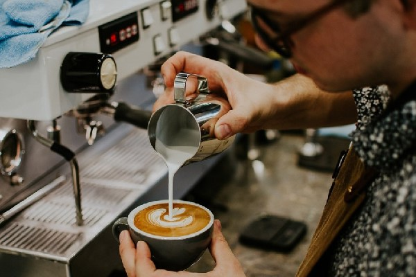 Latte Art đòi hỏi Barista phải có tay nghề cao,