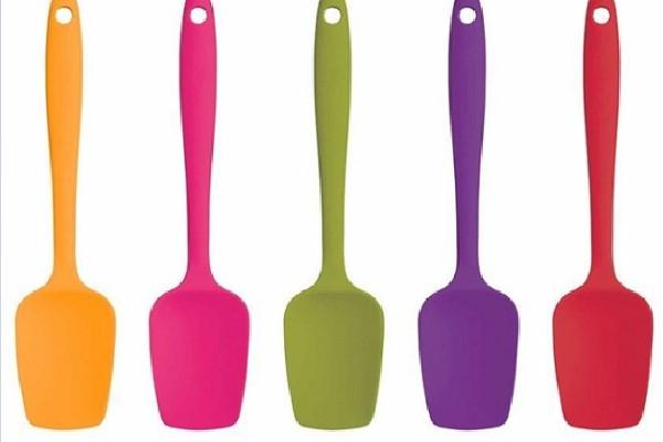 Phới trộn spatula