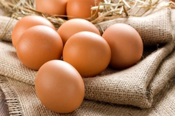 Trứng là một thực phẩm kỵ tỏi
