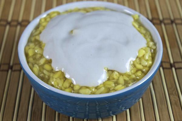 chè đậu xanh nước cốt dừa