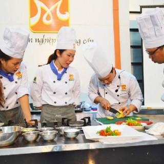 truyền đạt kinh nghiệm trong nghề dạy nấu ăn
