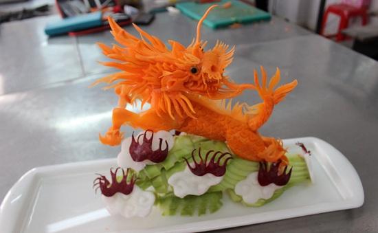 cắt tỉa cà rốt hình kỳ lân