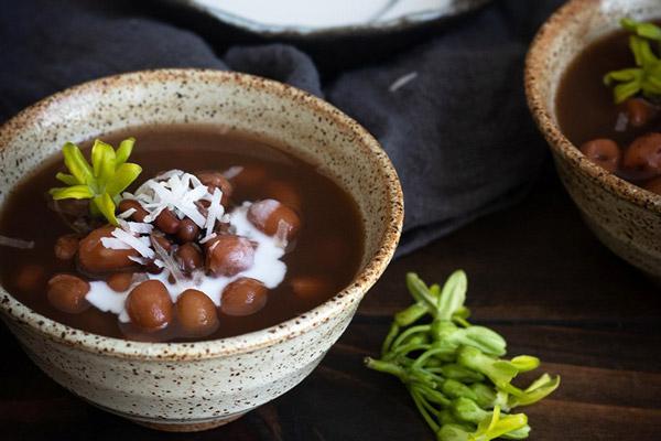 Chè đậu đỏ hạt sen