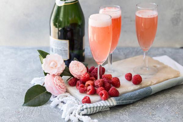 Cocktail Hibiscus và Prosecco