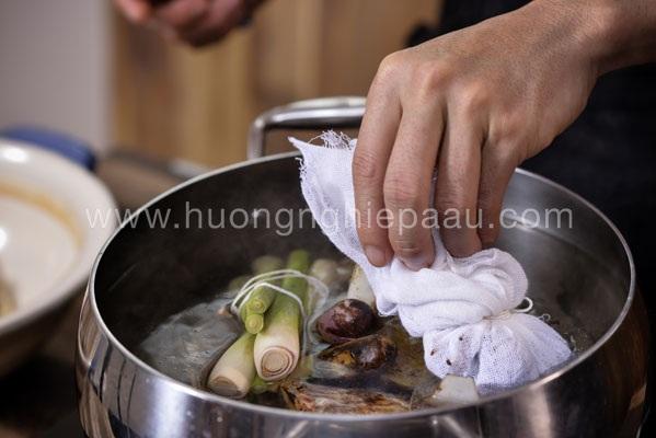 nấu nước dùng thanh vị