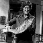 nữ đầu bếp Julia Child khởi nghiệp năm 32 tuổi