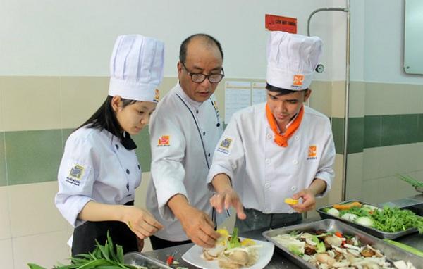 bếp trưởng Việt - sự lựa chọn nghề thông minh