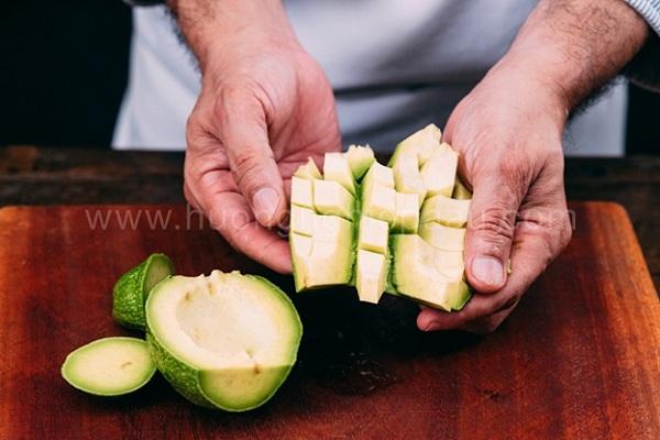 bơ cắt hạt lựu
