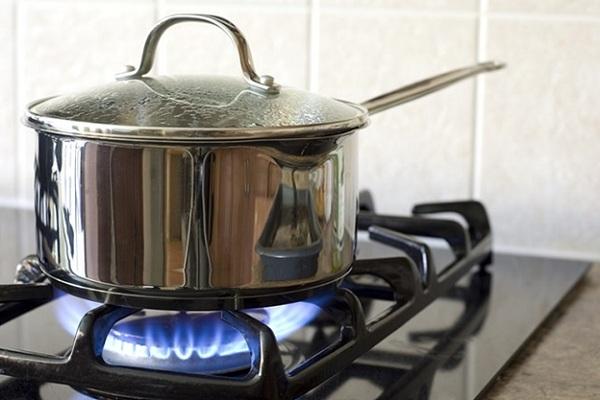 Giữ an toàn lao động trong bếp