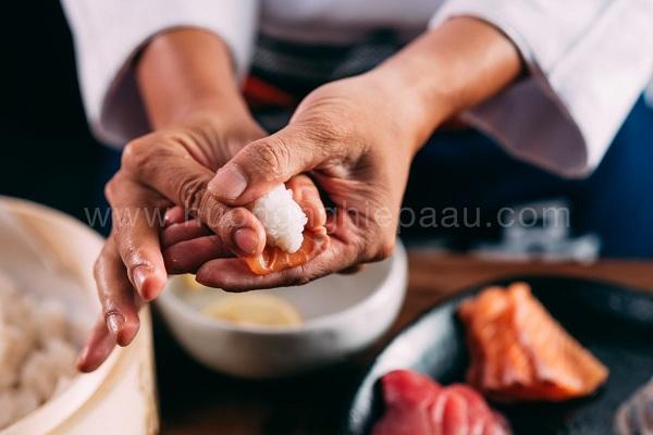 tạo hình nigiri sushi