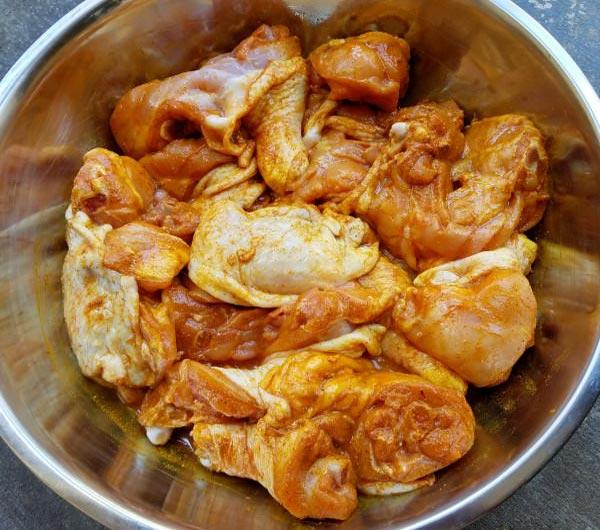 ướp gà nấu cà ri