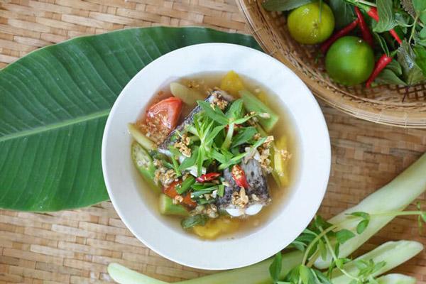 canh chua cá lóc Nam Bộ