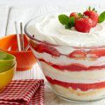 Bánh Trifle Dâu