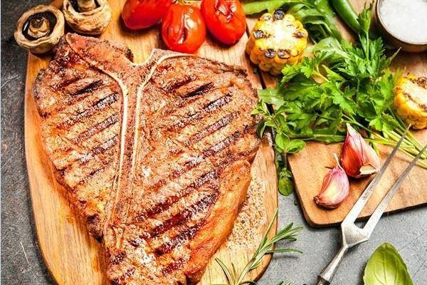 Bò bít tết kiểu Pháp