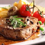 Bò bít tết xốt tiêu đen