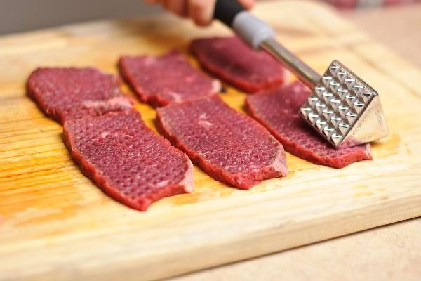 đập thịt bò mềm