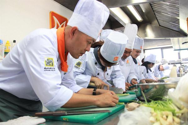 Môi trường học nấu ăn chuyên nghiệp