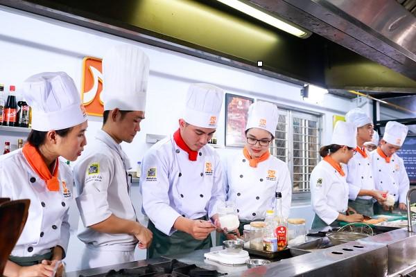Học bí quyết chế biến cơm gà Hải Nam
