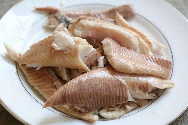 Tách riêng phần thịt cá