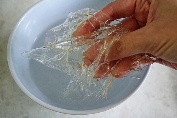 cách thủy để gelatine nhanh mềm