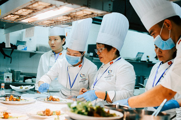 Nghệ nhân ánh tuyết bếp trưởng hội nghị Apec