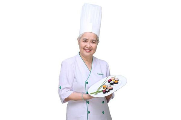 Nữ đầu bếp Nguyễn Dzoãn Cẩm Vân