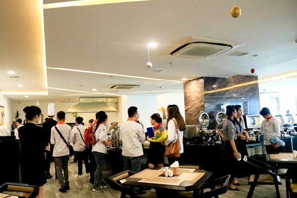 trải nghiệm Majestic Premium Hotel Nha Trang