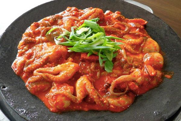 Bạch tuộc nướng xốt cay Hàn Quốc