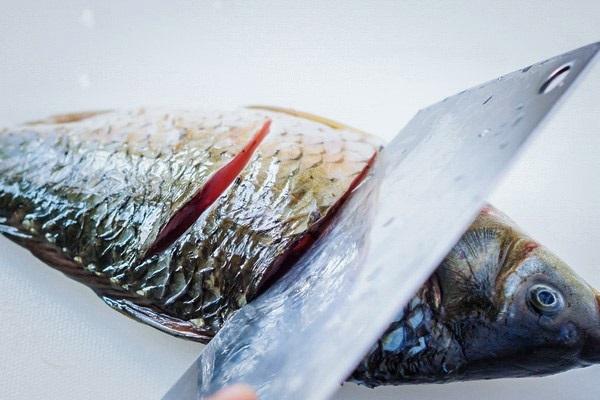 sơ chế cá chép