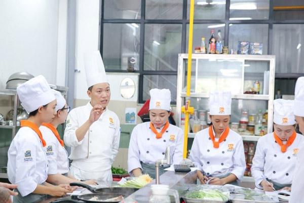 Điều kiện để nhập học nấu ăn