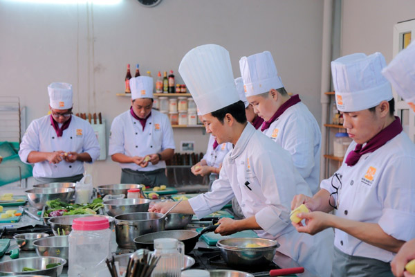 Học nấu món âu