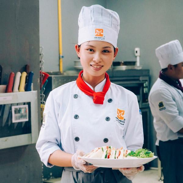 Học viên Nguyễn Linh Chi
