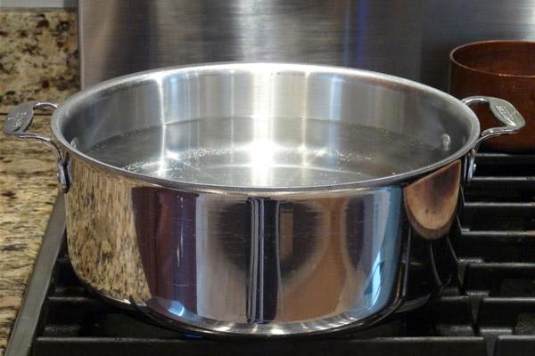 Nấu nước sôi