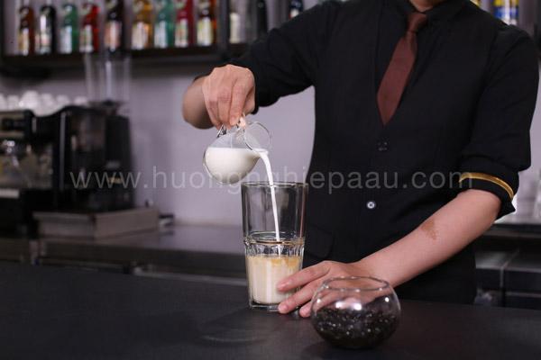 Sử dụng sữa Hokkaido để pha chế trà sữa