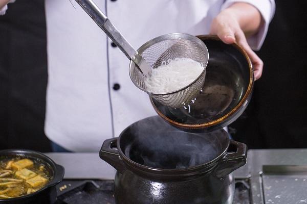 Học nấu các món bún
