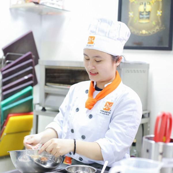 Nguyễn Khánh Trân