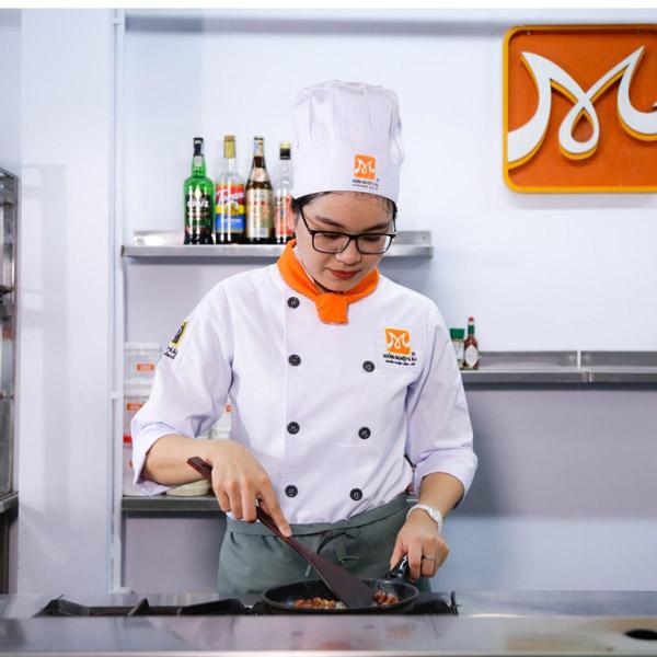 Nguyễn Trần Tuyết Mai