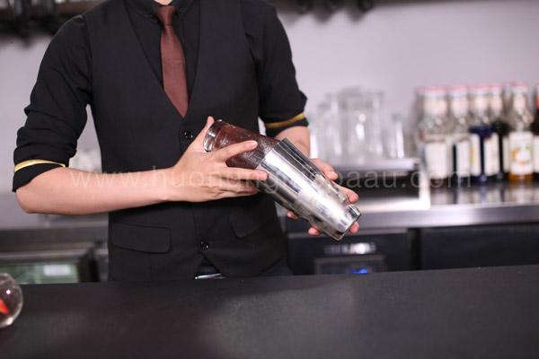Lắc thức uống hòa quyện