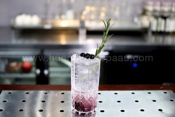 mocktail Tropical Blueberry Rosemary